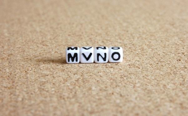 サイコロ文字で「MVNO」